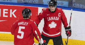 Канадские хоккеисты сыграют с чехами в четвертьфинале молодежного чемпионата мира