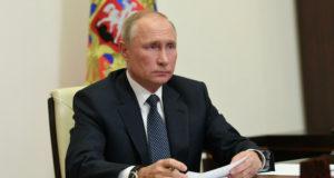 """Россия находится на """"марше развития"""", считает Путин"""