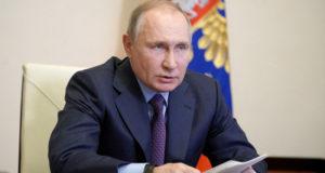Путин отметил важность отношений России и Греции