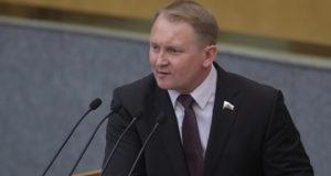 В России оценили решение США отправить корабли в Черном море