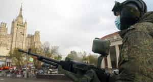 Песков допустил изменения в проведении парада Победы из-за погоды