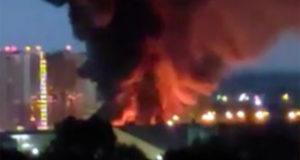 Пожар произошел на металлобазе в Москве