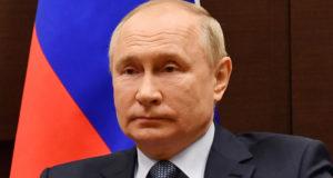 Путин поздравил таможенников с профессиональным праздником и 30-летием ФТС